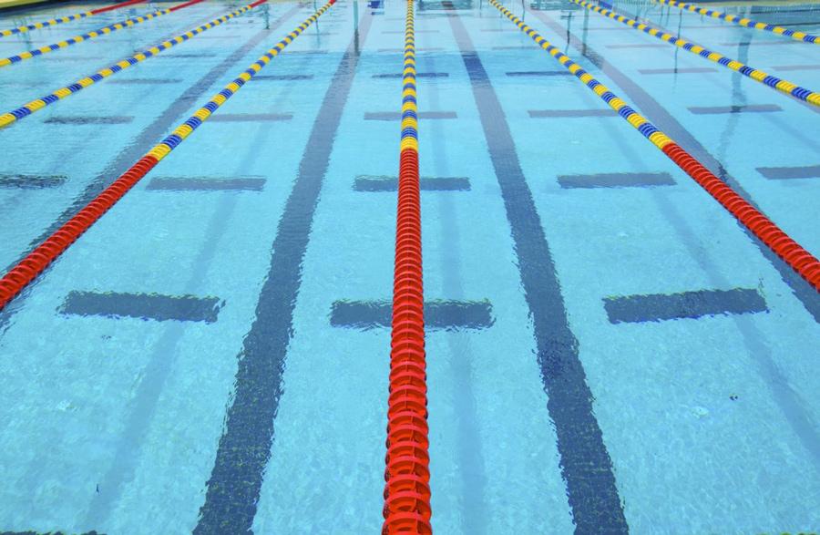 Дорожки разной длинны в бассейне