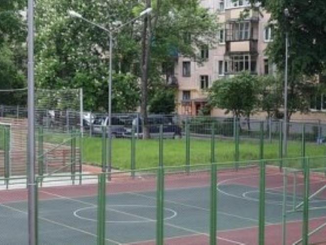 Открытая площадка для баскетбола
