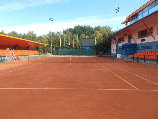 Открытый теннисный корт
